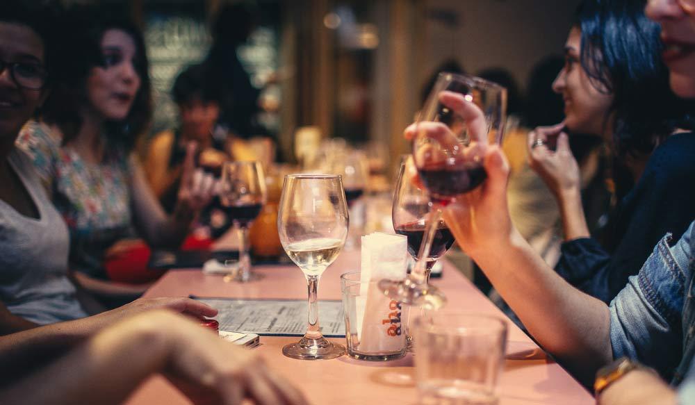 Gastronomomie-Marketing: Kundendaten helfen Restaurants, die Auslastung zu erhöhen und bessere Bewertungen zu erzielen.